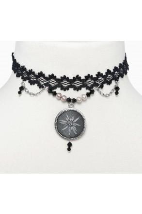 Bezauberndes Kropfband mit Perlen